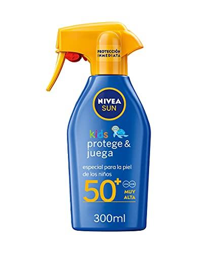 NIVEA SUN Spray Solar Niños Protege & Juega FP50+ (1 x 300 ml), pistola spray solar hidratante resistente al agua, protector solar infantil, protección solar muy alta