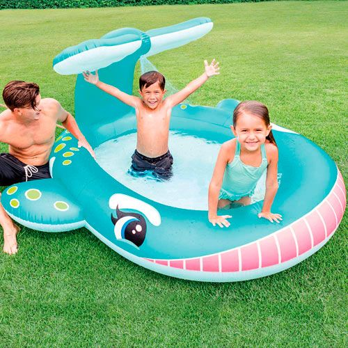 Piscina ballena con aspersor Intex
