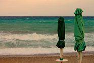 Sombrillas de playa resistentes al viento.